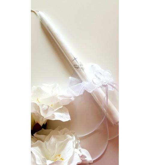 Krikšto žvakė su sijonėliu 38 cm. Spalva balta / sidabrinė
