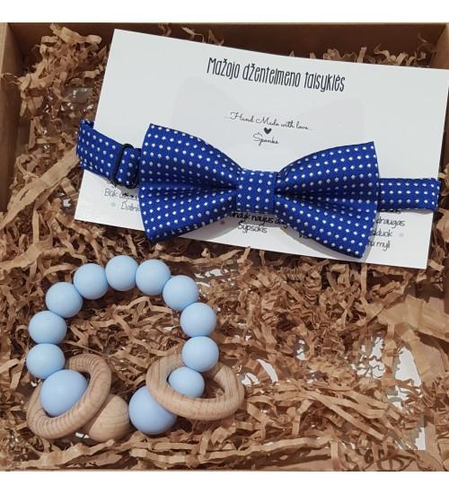Šponkės rinkinys Džentelmenui. Čiulptuko kramtukas apyrankė ir tamsiai mėlyna peteliškė