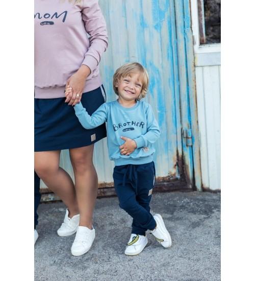 Tuss vaikiškos kelnės Baggy. Spalva tamsiai mėlyna su pilkomis kišenėmis